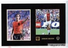 2 Autographes Photos Dédicacées du Footballer Johan Cruyff Pays-Bas